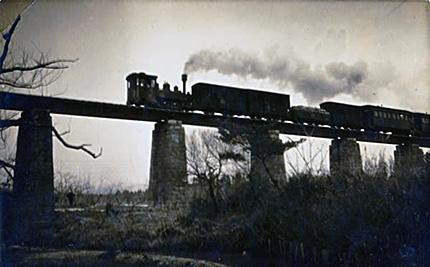 瀬川の鉄橋