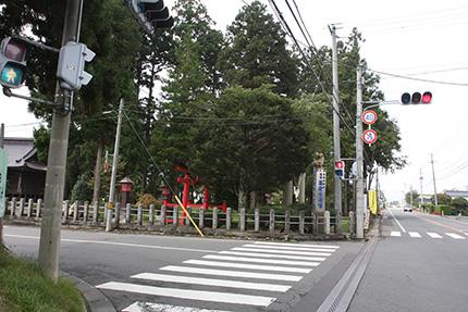 熊野神社と県道12号線
