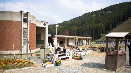 大川小学校慰霊碑1
