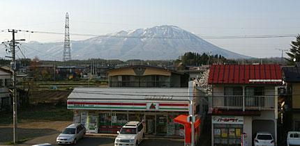 小岩井駅から岩手山