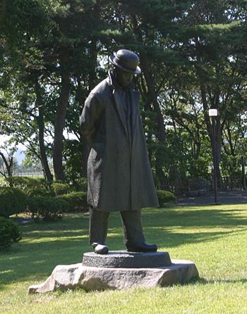 宮澤賢治銅像