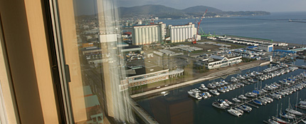 朝の小樽築港