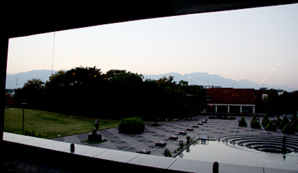 山梨県立文学館の二階からの眺め