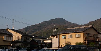 一乗寺から望む比叡山