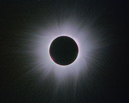 コロナの温度100万度は、太陽表面の6000度よりもはるかに高い
